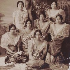 What has happened to our national dress, the Philippine terno? Though it remains an inherent part of our rich culture, it has certainly evolved. Philippines Outfit, Philippines People, Philippines Fashion, Philippines Culture, Filipiniana Dress, Filipino Fashion, Filipino Culture, Filipina Beauty, Asian History