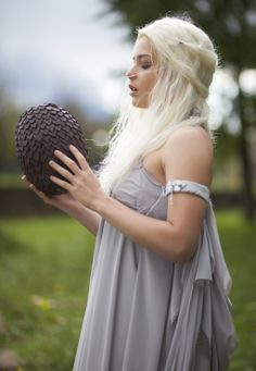 Mother of dragons - Daenerys Targaryen by Miss-Alice-Monster.deviantart.com #cosplay