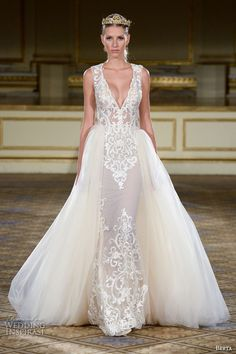 Carolina Herrera&39s Spring 2016 Wedding Dresses Are Inspired by ...