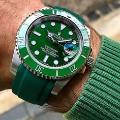 New Rolex Submariner Date Mens Luxury Watch 116610LV #rolexwatches #rolexsubmariner #116610LV #luxurywatches #majordor | www.majordor.com