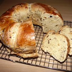 Babka I Traditional Polish Easter bread. Serve as a coffee cake for breakfast or with tea.