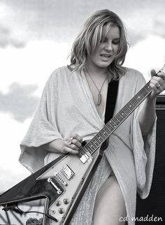 chuck madden ‏@chuckmaddenpics 3h  All this talk of war has made me want to think of something pretty-how bout Grace Potter!