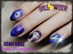 Halloween e.t nail :) the moon is lighting in the dark :)