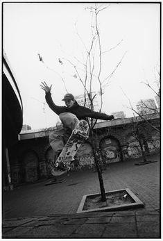 Skate Boy, Skate Surf, Justin Pierce, Skate Photos, Skate Street, Black And White Aesthetic, Skater Girls, Street Photography, Film Photography