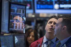 Wall Street opera em forte queda com bancos centrais e commodities - http://po.st/BrMtOj  #Bolsa-de-Valores - #Commoditie, #Dow-Jones, #FED