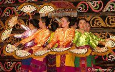 phillipines fan dance