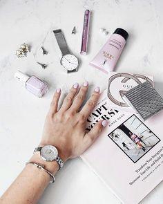 Essie nailpolish Go Ginza flatlay Flat Lay Photography, Product Photography, Best White Nail Polish, Flat Lay Photos, Parisian Style, Healer, Doodle Art, Essie, Hair And Nails