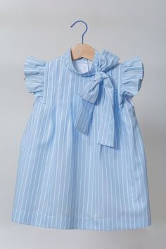Little girl clothes Baby Frocks Designs, Kids Frocks Design, Baby Girl Dress Patterns, Little Girl Dresses, Little Girl Fashion, Kids Fashion, Toddler Outfits, Kids Outfits, Baby Girl Frocks