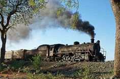 Net Photo: LO 804 BCL (Bamangwato Concessionaires Limited) Steam at Selebi-Pikwe, Botswana by Fabrice Lanoue Locomotive Engine, Steam Locomotive, Steam Pictures, South African Railways, Old Steam Train, South Of The Border, Old Trains, Steam Engine, Train Tracks