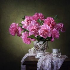 Still life with pink peonies Floral Photography, Still Life Photography, My Flower, Flower Art, Still Life Images, Drawing Wallpaper, Mosaic Flowers, Peonies Garden, Flower Aesthetic