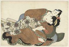anoniem | Vrijend paar, attributed to Kikugawa Eizan, c. 1810 | Vrijend paar. Man in gestreepte kimono, reikt met zijn linker hand tussen de bruin-oranje en paars gebloemde kleding van de vrouw.
