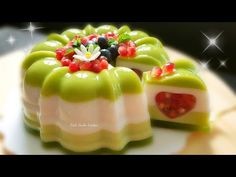 Pomegranate and Jelly Jelly Cake with Love ❤ Lovely Pomegranate Jelly Cake – YouT… - Gelee Ideen Gelatin Recipes, Jello Recipes, Tart Recipes, Pudding Recipes, Cookie Recipes, Dessert Recipes, Jelly Desserts, Kinds Of Desserts, Creative Cake Decorating