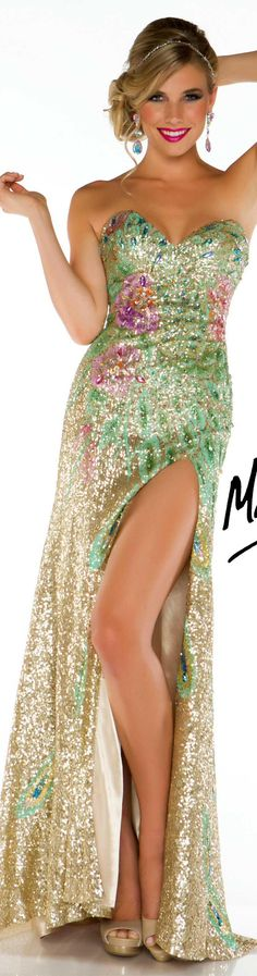 An absolutely stunning dress to make an impression among the crowd - Mac Duggal couture dress gold multi MAC DUGGAL PROM STYLE Pageant Wear, Dress Vestidos, Sequin Gown, Floral Fashion, Couture Dresses, Beautiful Gowns, Dream Dress, Homecoming Dresses, Selfies