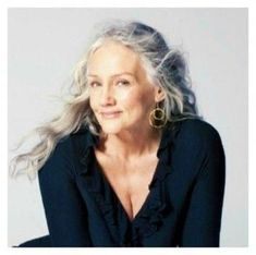 Skin care tips for older women. Fleur de Vie skincare is your best friend! Beauty Secrets, Beauty Hacks, Beauty Tips, Beauty Products, Pimples Under The Skin, Ray Bans, Beautiful Old Woman, Ageless Beauty, Beauty Routines