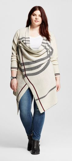 Plus size plaid asymetrical cardigan plus size fashion roupas pra gordinh. Plus Size Fashion For Women, Womens Fashion For Work, Plus Size Women, Plus Fashion, Fashion Trends, Fat Fashion, Fashion Online, Plus Zise, Mode Plus