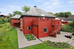 (11) FINN – ASKER - nær sentrum. Stor, arkitekttegnet enebolig på 280 kvm…