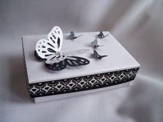 mariposas en relieve