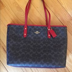 NEWCoach Signature Denim City Zip Tote Coach  Signature tote from the new spring denim collection. Comes with giftbox. no tradeno PayPal no Lowball offers no hold✅10% off bundles. PLEASE USE OFFER BUTTON FOR ALL OFFERS. I DO NOT NEGOTIATE IN THE COMMENTS SECTION Coach Bags Totes