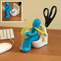 The clever and unique desk accessories from Bits and Pieces will keep you organized and keep giggling every time you see them. Our desk top organizers get everyone talking - so stock up for Christmas gifts or even office gifts to co-workers. Resin Crafts, Paper Crafts, Diy Crafts, Inventions Sympas, Choses Cool, Desktop Gadgets, Spy Gadgets, Unique Desks, Cool Gadgets To Buy