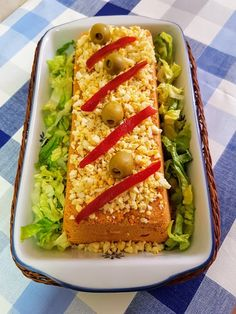 El pastel de atún en microondas es un plato fácil, rápido y sobre todo muy socorrido, especialmente para el verano cuando lo que apetecen son platos fríos Meatloaf, Avocado Toast, Zucchini, Tacos, Mexican, Vegetables, Breakfast, Ethnic Recipes, Food
