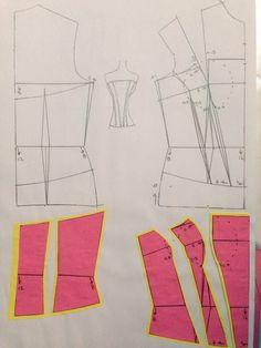 Corsé 1 Marfy Patterns, Clothing Patterns, Dress Patterns, Sewing Patterns, Corset Tutorial, Pencil Skirt Tutorial, Corset Sewing Pattern, Pattern Drafting, Pattern Cutting