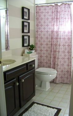 {Pizz-Azz} Painting Stripes in a Bathroom...gonna do this in grey in master bedroom bath