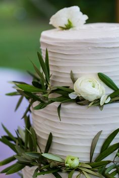 Lindsay Talbot and Christopher Bateman Wedding in New Hampshire  Cake: Wicked Sweet Sugar Boutique