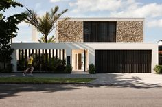 Limestone House by Sumich Chaplin Architects Architecture Design, Facade Design, Residential Architecture, Exterior Design, Villa Design, Modern House Design, Limestone House, Mediterranean Homes, Facade House