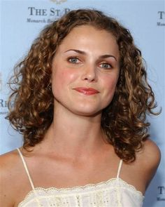 See her hair evolution from 'Felicity' to 'The Americans' Keri Russell, Hair Evolution, Happy 40th, Girl Inspiration, Curly Girl, Hot Actresses, American Actress, Naturally Curly, Her Hair