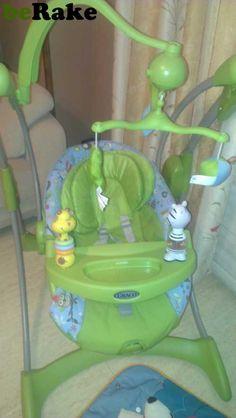 Vendo Mecedora balancin que vibra para bebes, se inclina, tiene musica, tiene sonido, movimiento automatico y movil para que jueguen. en perfecto estado....