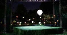 Midsummer Night's Dr - Midsummer Night's Dream. Free Shakespeare on Boston Common. Scenic design by Beowulf Boritt Design. 2007 --- #Theaterkompass #Theater #Theatre #Schauspiel #Tanztheater #Ballett #Oper #Musiktheater #Bühnenbau #Bühnenbild #Scénographie #Bühne #Stage #Set