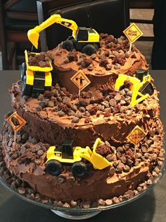 Birthday Cakes Digger Birthday Cake, 3 Year Old Birthday Cake, Digger Cake, Birthday Fun, Birthday Cakes, Birthday Ideas, Kids Construction Cake, Construction Birthday Parties, Torta Paw Patrol