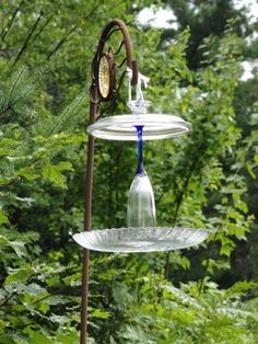 Glass pieces bird feeder