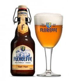 """Floreffe Tripel / De """"Floreffe Triple"""" heeft een blonde, amberkleurige body en romige schuimkraag. De neus is uitermate origineel en combineert hout- en kruidtoetsen (kruidnagel, vanille) met de fruittoetsen van rijpe renetappels. Deze aroma's worden begeleid door een heerlijke moutsmaak en een geraffineerde bitterheid. Dit krachtige en evenwichtige bier heeft een zachte afdronk met toetsen van calvados, karamel en zoethout. Deze krachtige, op fles hergiste Tripel was het favoriete bier van…"""