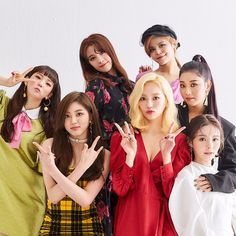 La imagen puede contener: 7 personas, personas de pie Cheshire, Kpop Girl Groups, Korean Girl Groups, Kpop Girls, Extended Play, K Pop, Jang Yeeun, Fandom, Clc