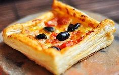 Pizza Recipe from Puff Pastry Dough Pizza Recipe from Puff Pastry Dough We have added practical pizza recipe from puff Puff Pastry Pizza, Puff Pastry Dough, Pizza Salami, Oven Dishes, Food Categories, Pizza Dough, Pizza Recipes, Vegetable Pizza, Ethnic Recipes