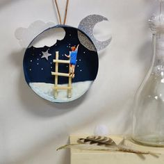 Tuto: make Christmas decorations by recycling your camembert packing containers! – Web page 2 of two – Concepts Paper Crafts Origami, Easy Paper Crafts, Diy Crafts For Kids, Fun Crafts, Christmas Decorations To Make, Christmas Bulbs, Xmas, Class Decoration, Centre