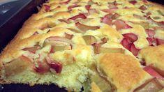 Blitz-Rhabarberkuchen: Rhabarber, Butter, Zucker, Vanillinzucker, Salz, Eier, Mehl, Speisestärke, Backpulver Rhubarb Desserts, Rhubarb Cake, Rhubarb Recipes, No Bake Desserts, Oatmeal Fudge Bars, German Baking, Funny Cake, Dessert Sauces, Food Cakes