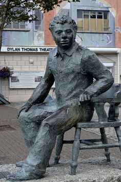 Statue of Dylan Thomas in his birthplace, Swansea, Wales