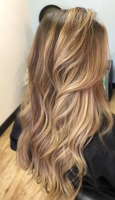 38 Best Balayage Hair Color Ideas for 2019 - Style My Hairs Champagne Blonde Hair, Honey Blonde Hair, Blonde Hair Looks, Blonde Hair With Highlights, Balayage Highlights, Honey Golden Hair, Shades Of Blonde Hair, Honey Blonde Highlights, Dark Blonde Hair Color
