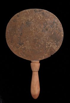 Miroir -  bronze et bois  | Site officiel du musée du Louvre