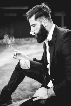 High and tight with the hair. Low and long with the beard. Nice. #handsome #beards #gentlemen