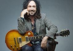 Happy birthday to Mike Campbell, born on February guitarist with Tom Petty and the Heartbreakers who had the 1977 single 'American Girl', the 1989 UK single 'I Won't Back Down', and the 1991 UK album 'Into The Great Wide Open'. Tom Petty, Happy Birthday Mike, Mike Campbell, Gibson Guitars, Gibson Les Paul, Ringo Starr, Fleetwood Mac, Stevie Nicks, Soul Music