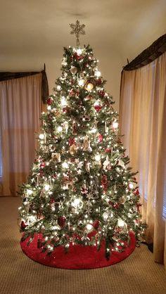 My 2015 Christmas Tree ♥ Christmas Decorations Uk, Beautiful Christmas Trees, Christmas Wreaths, Xmas Trees, Christmas Mom, All Things Christmas, Christmas Ideas, Christmas Tree Inspiration, Christmas Wonderland