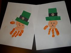 Love these handprint leprechauns St Patrick's Day Crafts, Crafts To Make, Fun Crafts, Crafts For Kids, Arts And Crafts, Kindergarten Projects, St Patricks Day, St Pattys, Projects For Kids