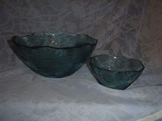 2~Clear Blue Glass Serving Bowls with Sunflower Design, Salads, Punch, Chips.... #Unknown