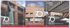 70 Aniversario de la Universidad Iberoamericana. Estatua, biblioteca y escalera