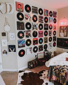 Mens Room Decor, Indie Room Decor, Cute Bedroom Decor, Aesthetic Room Decor, Room Ideas Bedroom, Bedroom Inspo, Diy Room Decor Tumblr, Bedroom Designs, Retro Room