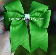 DIY Ribbon Crafts : DIY Ribbon Bow
