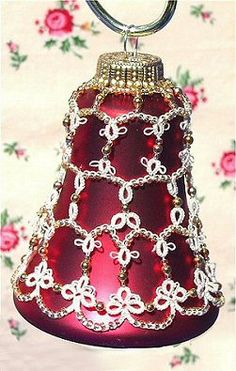 Now if I can just find some vintage bell ornaments...... I know we had some when I was a kid.